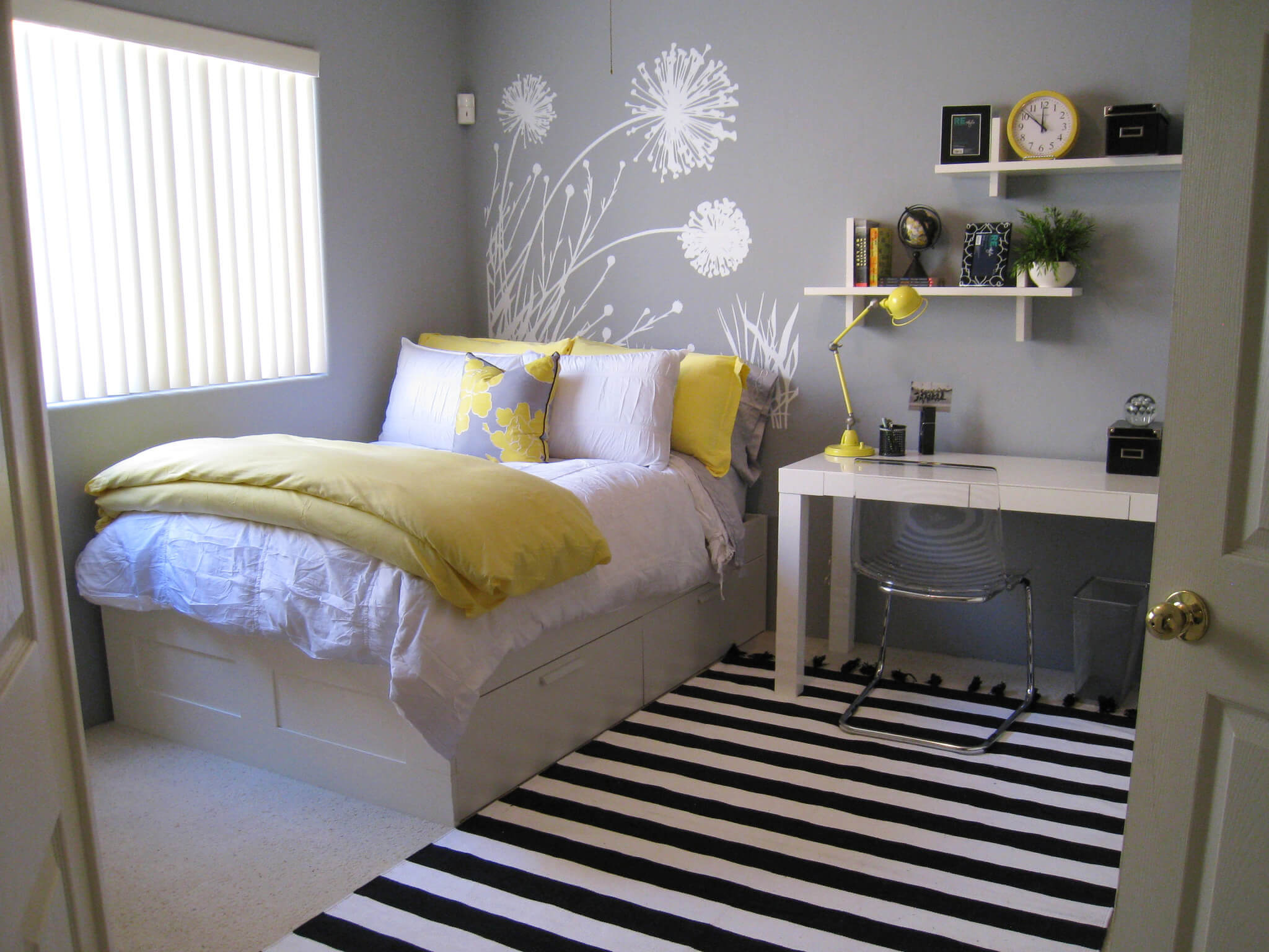 Bedroom Colour Ideas for Small Rooms