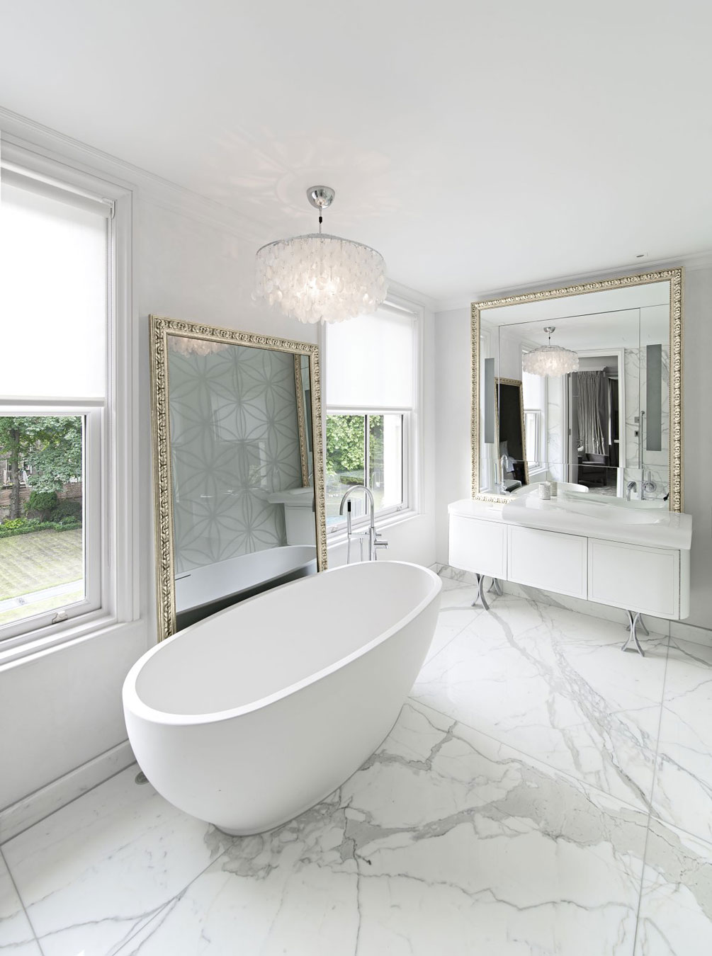 Marble tiles to enhance a classic style