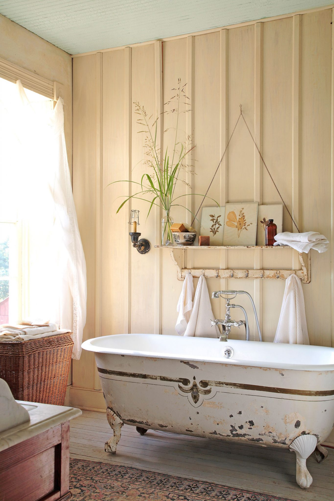 rustic bathroom ideas for a warm and relaxing private space - houseminds